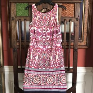 Vince Camuto Dress size 8 sleeveless with V dip